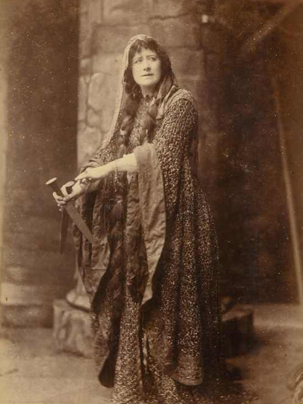 Original contemporary photograph of Ellen Terry in the dress